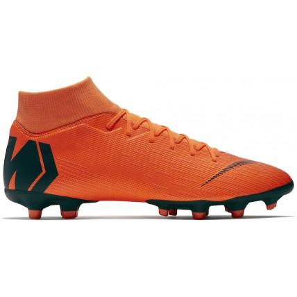 Botas de fútbol Nike...